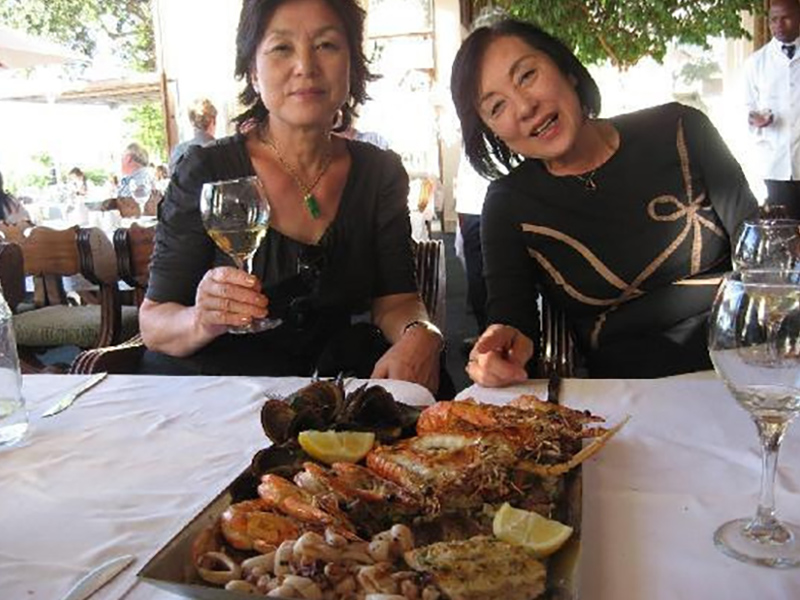 grilled-shellfish-platter-at-la-perla-39
