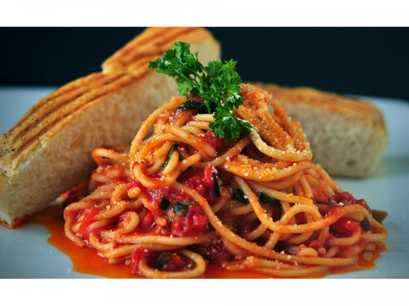 Pasta Spaghetti Italian Food Bread Tomato Sauce