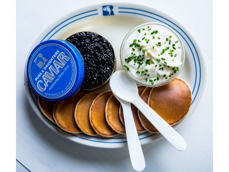 russ-and-daughters-cafe-caviar-blini-creme-fraiche-1024×893.jpg