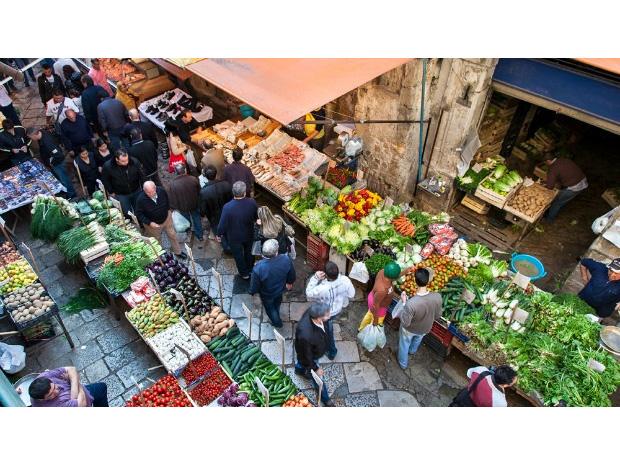 Sicily-Travel-Street-food-in-Palermo.jpg