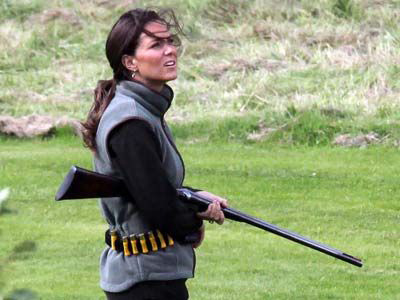 86f7577dd582f77c9380c1026a66ac4a–girl-guns-hunting-guns.jpg