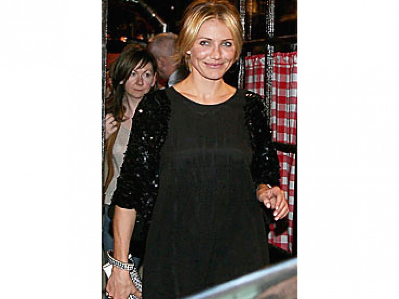 cameron-diaz-paris-dinner.jpg
