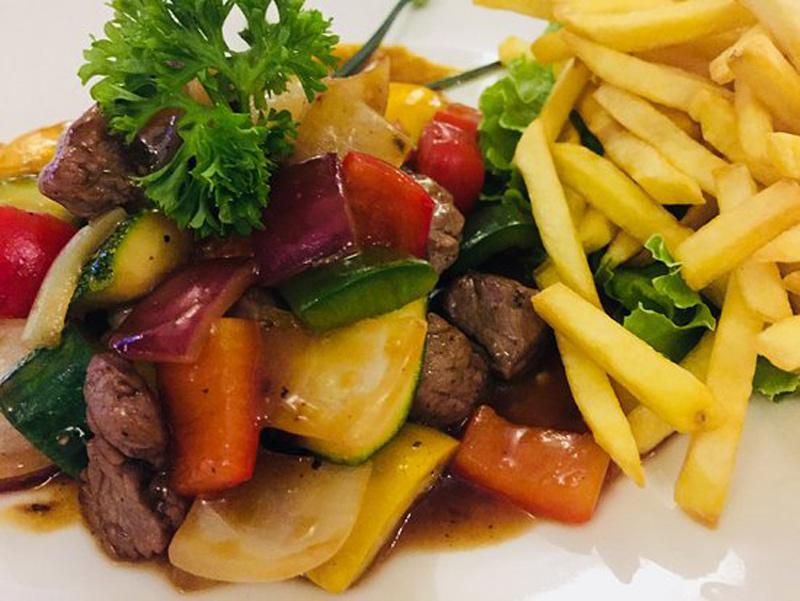 7-bo-luc-lac-sauteed-beef